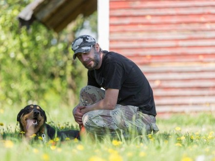 Roy  młody  pełen energii pies  niekonfliktowy pies szuka domu!